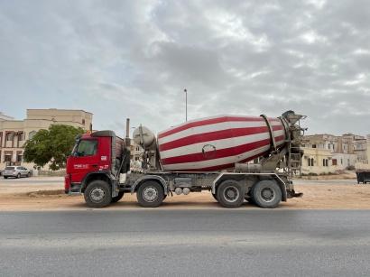 veh - Cement Mixer Truck 01